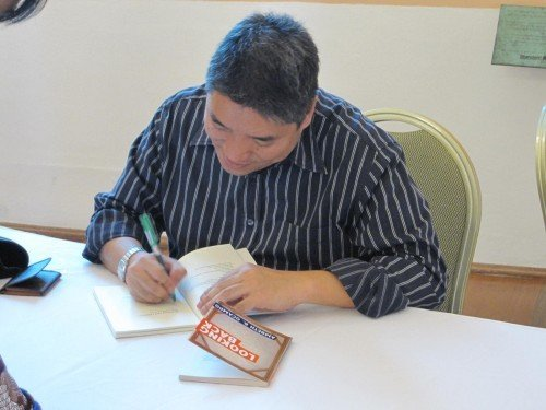 Ambeth Ocampo: booksigning after his talk